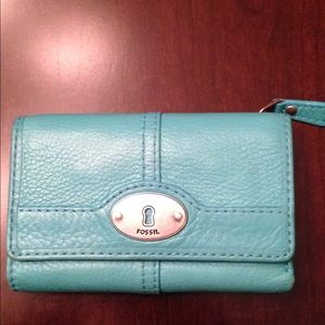 Fossil key hole trifold wallet